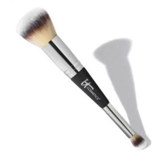 Heavenly Luxe Complexion Perfection Brush #7 by IT Cosmetics #18